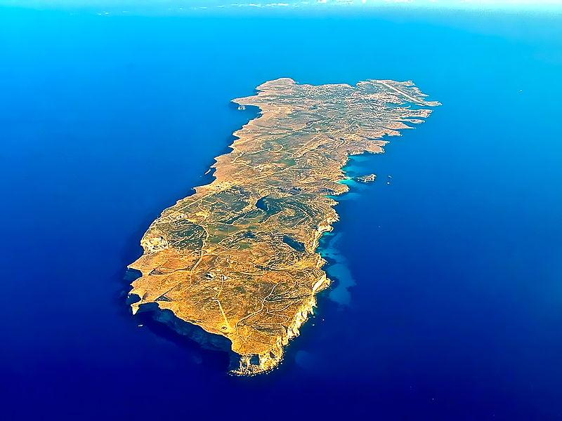 Lampedusa tra accoglienza e detenzione de facto