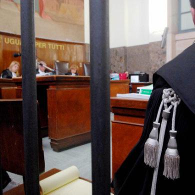 """Perché risarcire le """"vittime"""" dei processi mediatici: Intervista a Vittorio Manes"""
