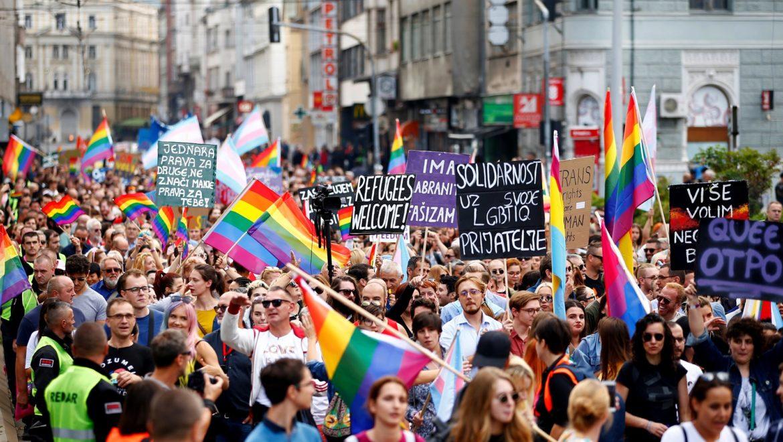 La Bosnia-Erzegovina supera l'esame del suo primo (e temuto) pride  LGBT