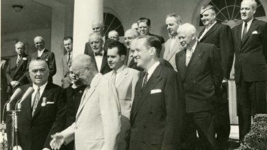 Dwight D. Eisenhower e John Foster Dulles: Roll-Back, New Look e la strategia della rappresaglia massiccia.