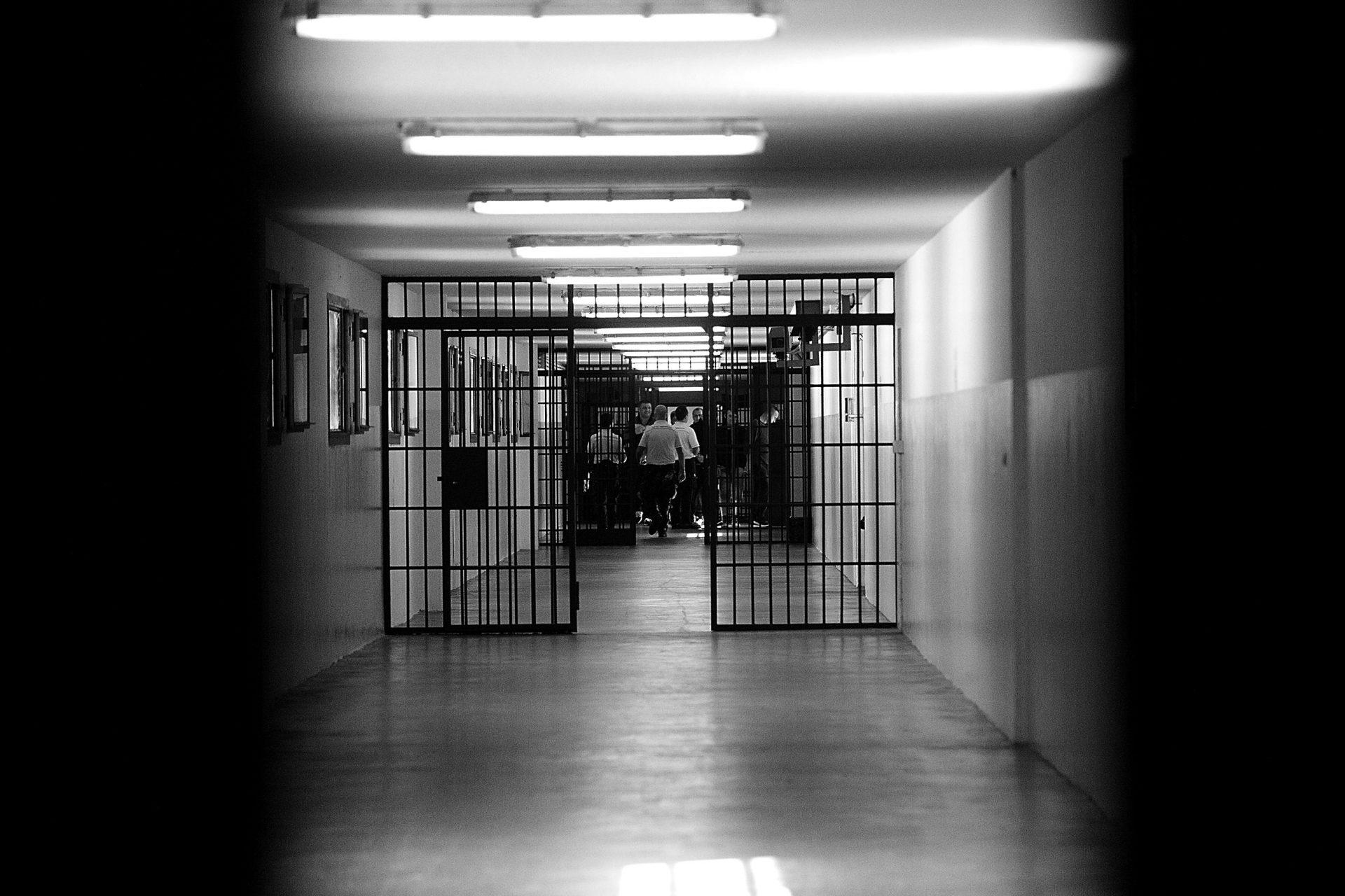 L' emergenza carceraria ai tempi della Covid-19, l'art. 123 d.l. cura Italia: profili critici