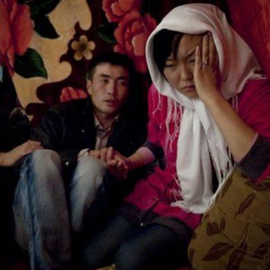 Protetto: Ala kachuu, rapite e forzate al matrimonio: il dramma delle donne kirghise